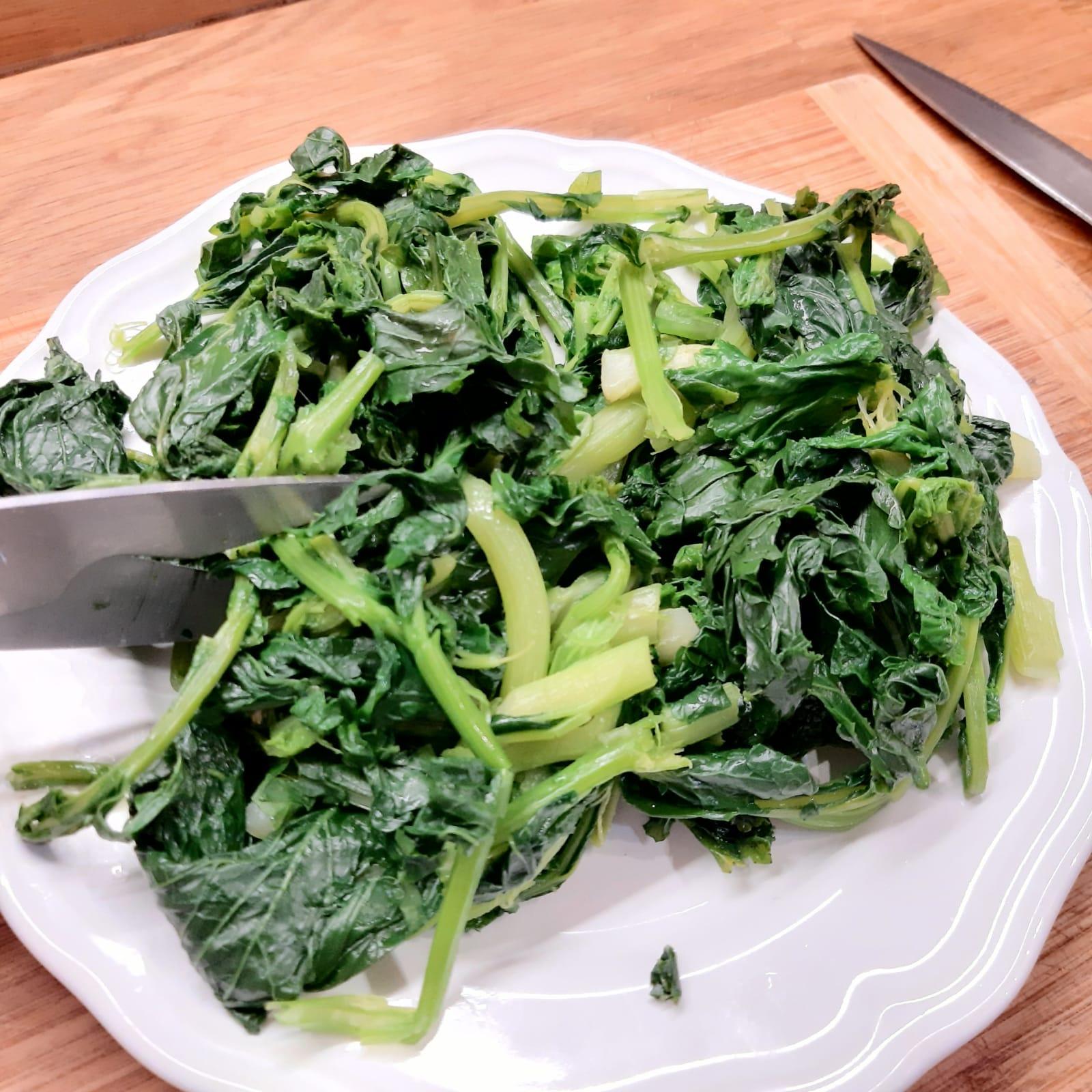 crostini con broccoletti salsiccia e formaggio
