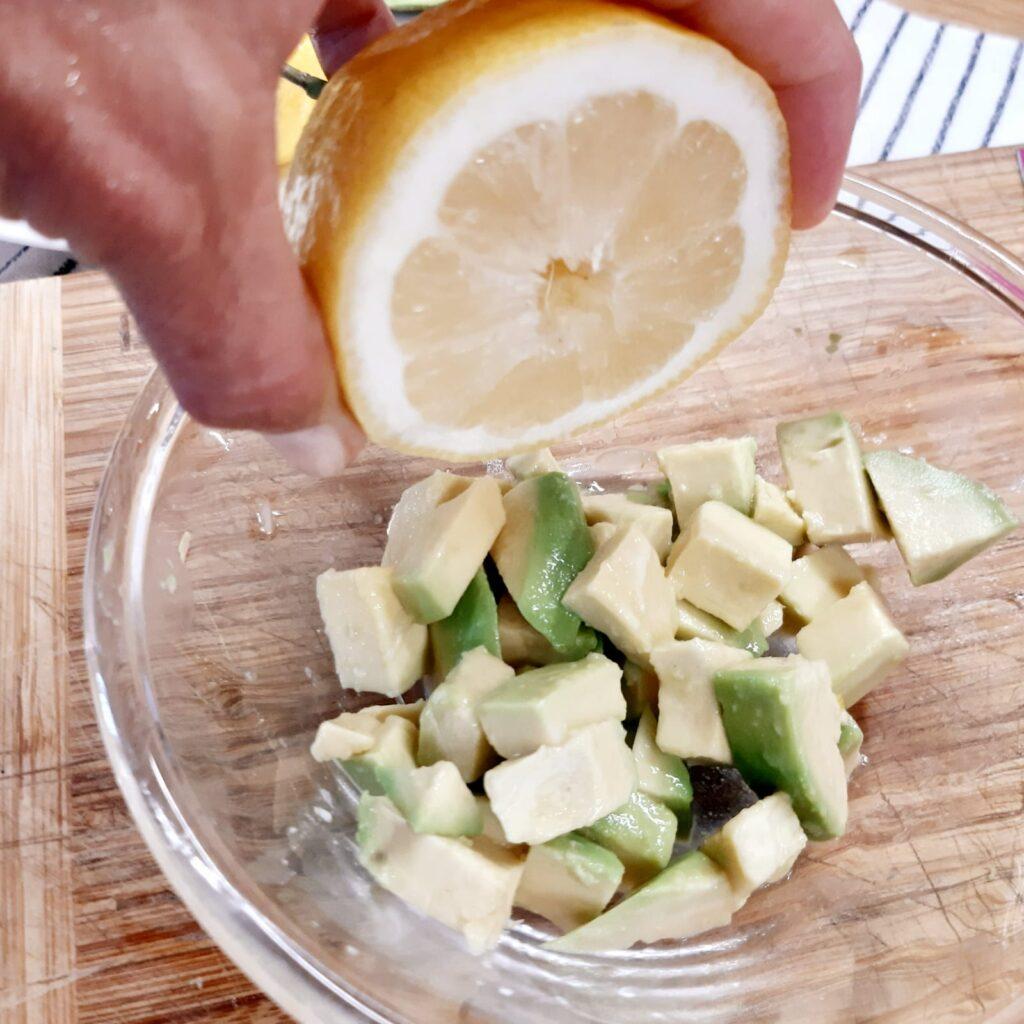 gamberoni con avocado e melone