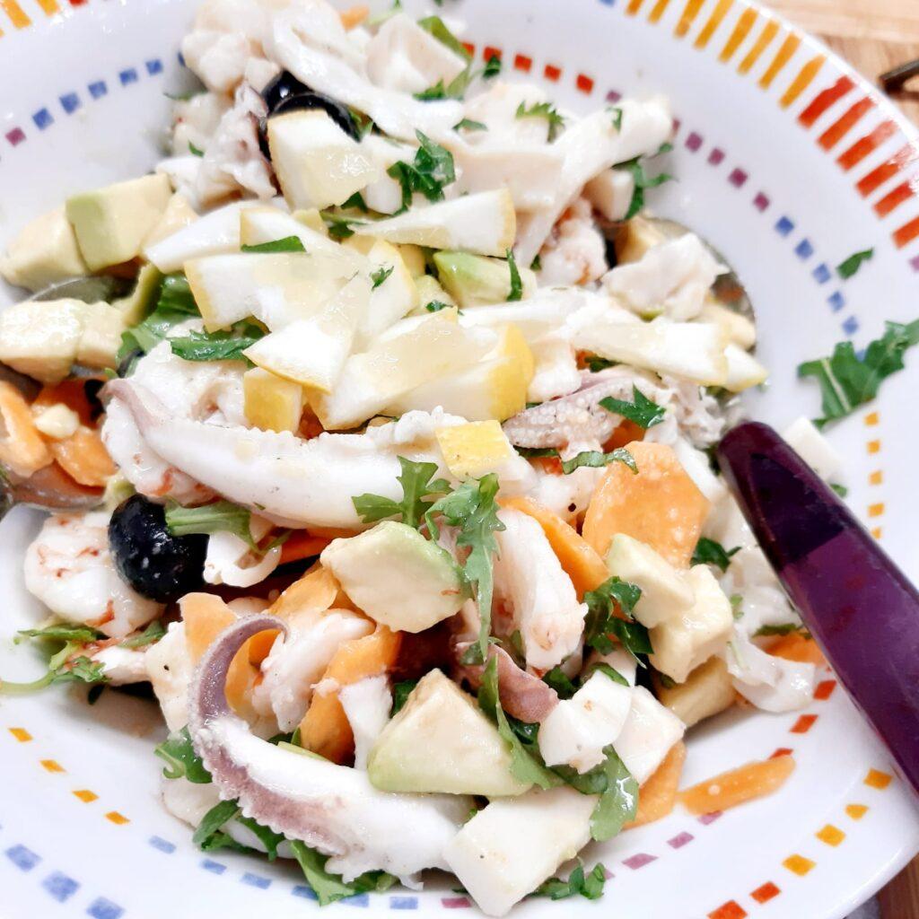 insalata ricca con gamberi e seppie